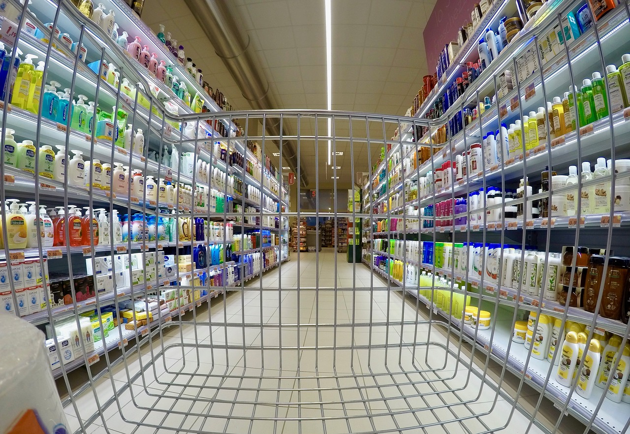 Psicosi al banco frigo, supermercati presi d'assalto